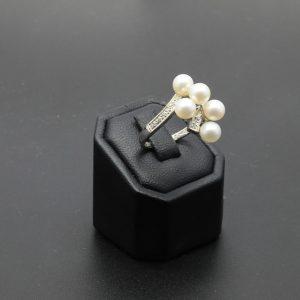 18 carat WG Cultured Pearl & Diamond Dress Ring