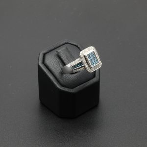 14 carat WG White & Enhanced Blue Diamond Ring
