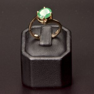 18 carat Yellow Gold Natural Emerald Ring