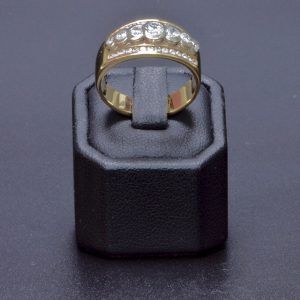 18 carat yellow gold 3 row Diamond Ring