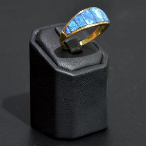 18 carat Yellow Gold Inlaid Opal Ring